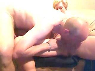 cougar duo exchanging mouth fuck