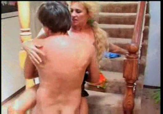 bleached lady catherine still spurting at leaking
