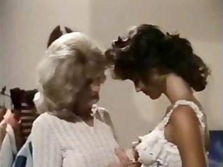 vintage cougar dike teaches young brunette