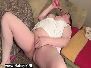 granny desperate lady wanks her clean