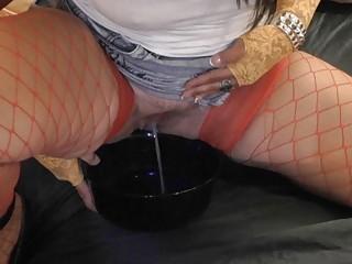 amp lady enjoys horny piss games