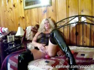 milf wipes her clit with dildo