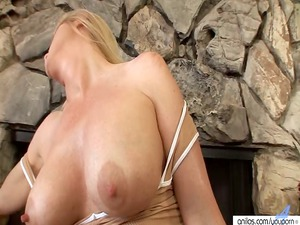 busty milf lotions up to masturbate