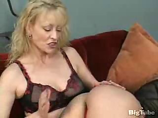 two older  homosexual women suck vagina and use