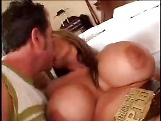 older  lady with large bossom sexing fresher