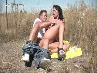 desperate lady takes fucked difficult outdoor