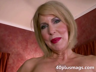older  divorcee getting nude natural kitty