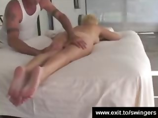 lady tracy gets massage with cunnilingus end