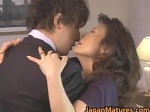 hitomi kurosaki cougar japanese girl part1