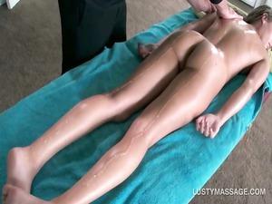 super girl obtains showed shape massaged with oil