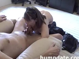 sweet mature babe gives lovely dick sucking and