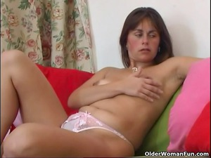 curly and aged mommy pleases with fingers and