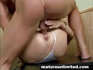 women hairypussy takes drilled
