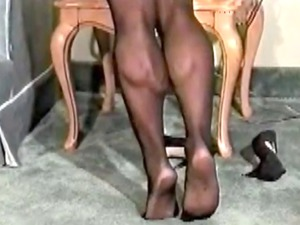 inflexible calf muscles and thighs into pantyhose