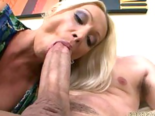 awesome euro woman wamts some huge american dick