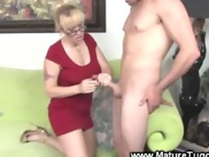 granny cougar with glasses gives tubjob