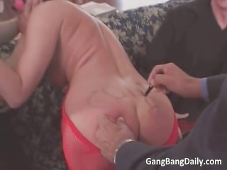 nasty brunette mature babe blows uneasy penis